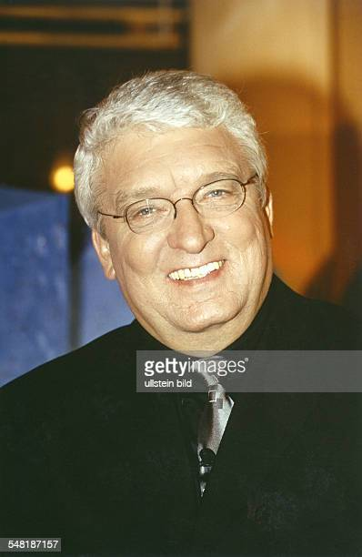 Meiser Hans * Fernsehmoderator D Portrait laechelt Januar 2000