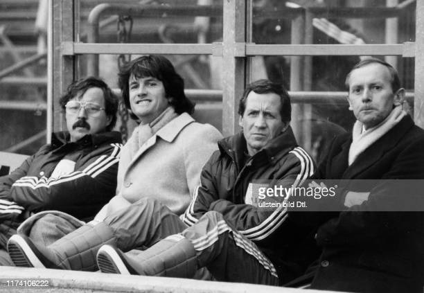 Meisterschaft NLA 1982/83: FCZ-Trainerbank; Masseur Burgermeister, Trainer Jeandupeux, Assistenztrainer Glättli, Mannschaftsarzt Raschle
