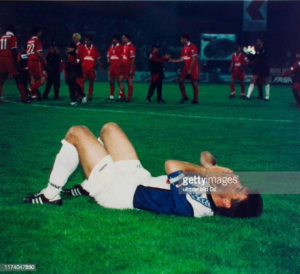 Meisterschaft NLA 1997/98: FC Sion - FC Zürich; Enttäuschter FCZ-Captain Urs Fischer nach dem Schlusspfiff