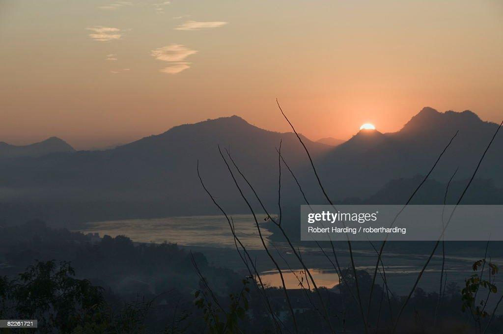 Mekong River at sunset, Luang Prabang, Laos, Indochina, Southeast Asia, Asia : Stock Photo