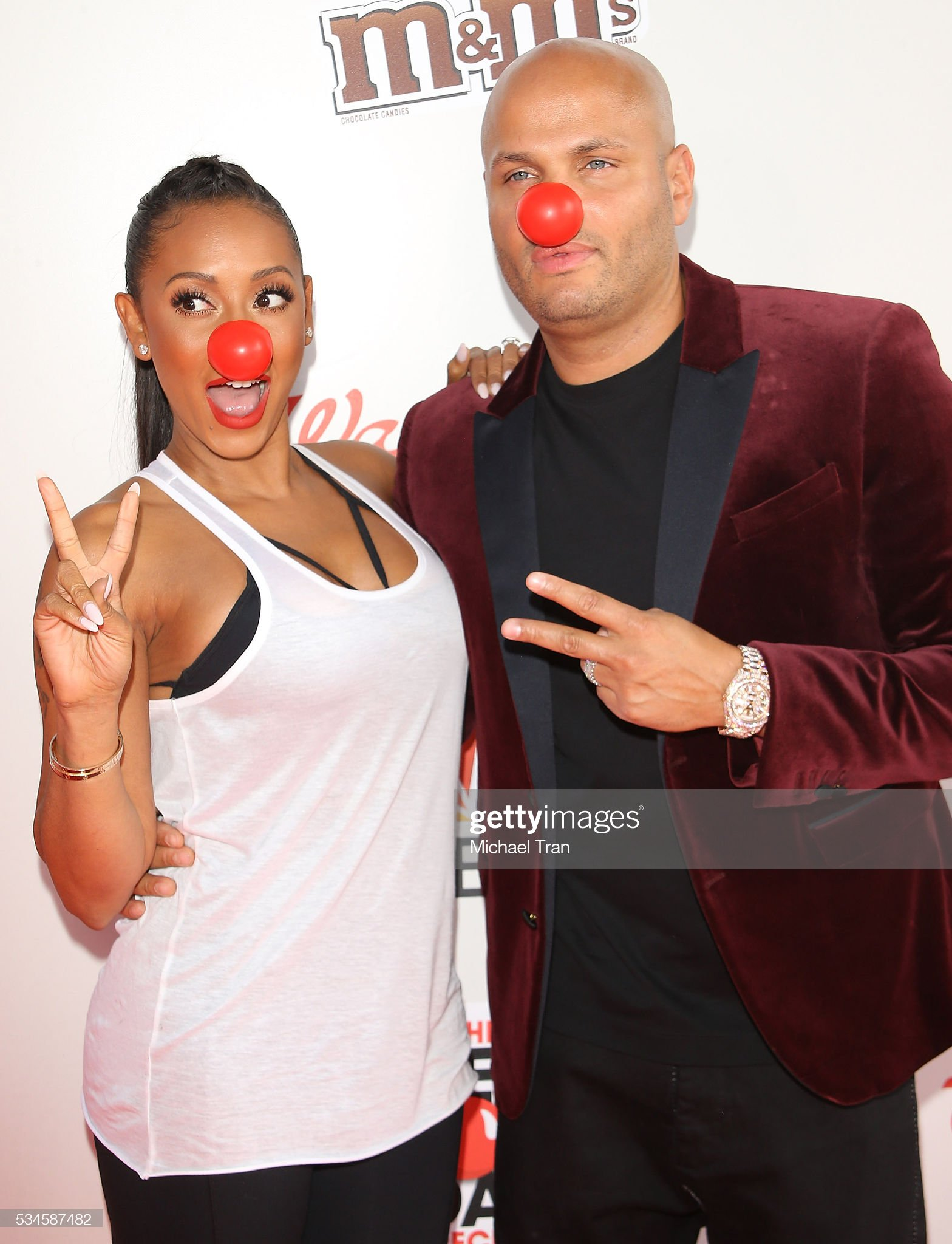 ¿Cuánto mide Stephen Belafonte? - Altura - Real height Mel-b-and-stephen-belafonte-arrive-at-the-red-nose-day-special-event-picture-id534587482?s=2048x2048