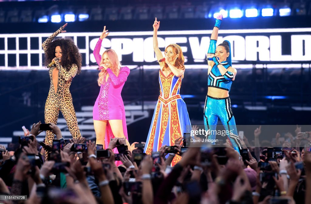 The Spice Girls Perform At Croke Park - Tour Opener : News Photo