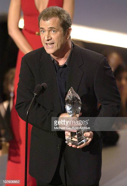 Mel Gibson accepts the award for Favorite Drama Movie Award for The Passion of the Christ