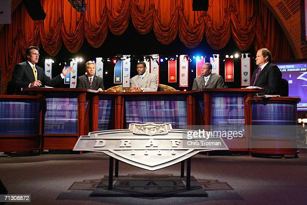 Mel Kiper Chris Mortensen Michael Irvin Tom Jackson and Chris Berman of ESPN broadcast their coverage during the 2006 NFL Draft on April 29 2006 at...