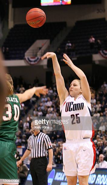 Mel Thomas of UConn gets the three during the NCAA Tournament second round game at the Hartford Civic Center in Hartford Connecticut on March 20 2007