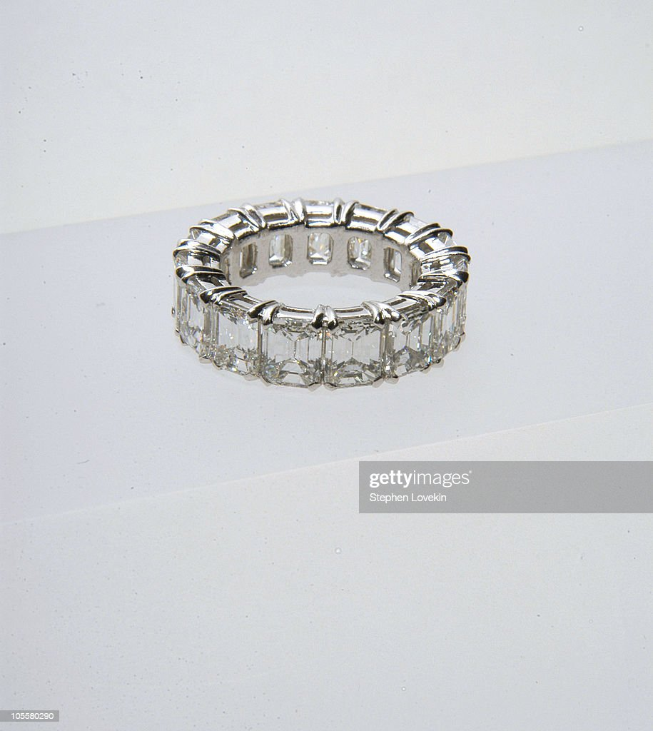 melania knauss wedding band for her marriage to donald trump the ring is white - Melania Trump Wedding Ring