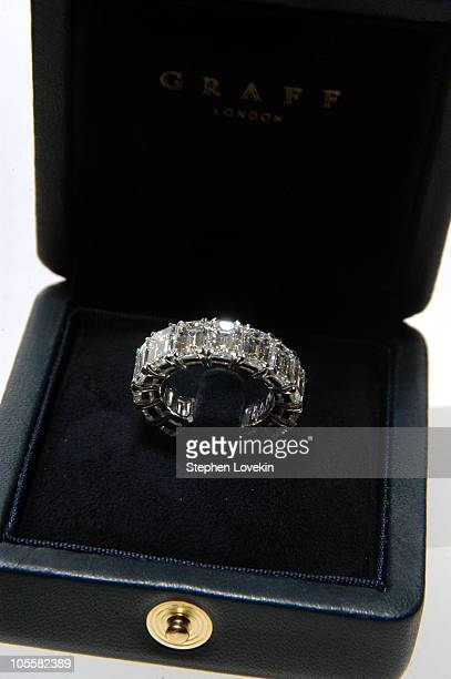 Melania Trump Enement Ring | Trump Wedding Band Stock Photos And Pictures