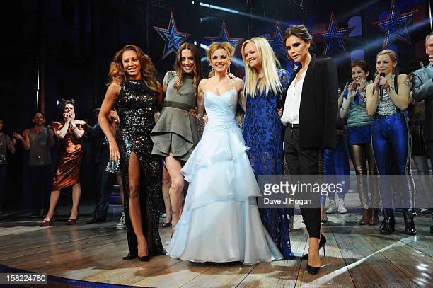 "Melanie Brown, Melanie Chisholm, Geri Halliwell, Emma Bunton and Victoria Beckham attend the ""Viva Forever"" press night curtain call at The..."