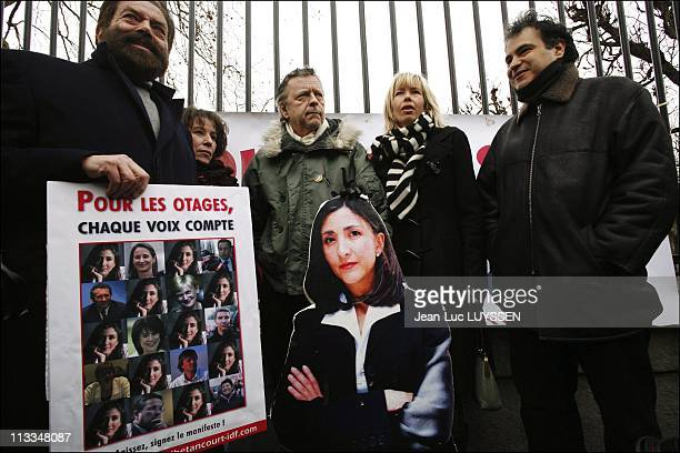 Melanie Delloye Betancourt On The Launch Day Of The Manifest For The Liberation Of Ingrid Betancourt In Paris, France On January 23, 2007 - Marek...