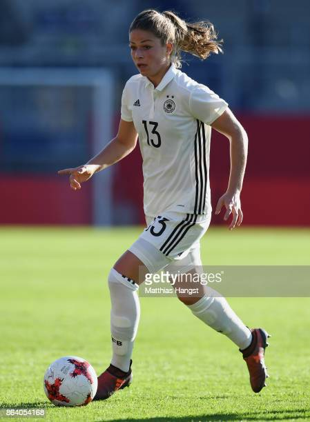 Melanie Leupolz of Germany controls the ball during the 2019 FIFA Women's World Championship Qualifier match between Germany and Iceland at...