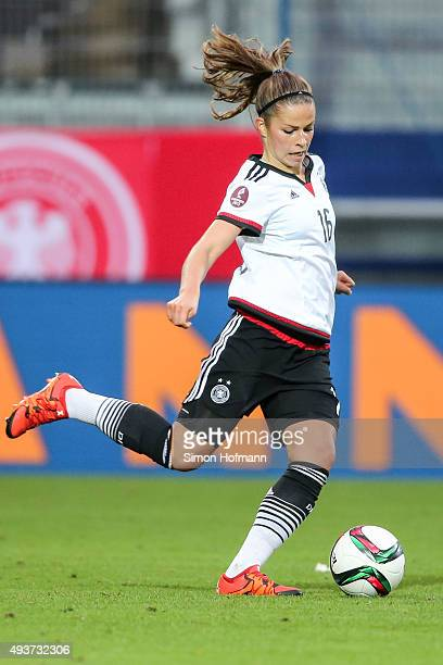 Melanie Leupolz of Germany controls the ball during the UEFA Women's Euro 2017 Qualifier match between Germany and Russia at BRITAArena on October 22...