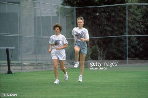 Melanie Molitor und Martina Hingis Fitnesstraining 1995
