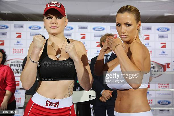 Melanie Mueller and Jordan Carver pose during the weighing for the 'Das Grosse Prosieben Promiboxen' tv show on September 25 2014 in Duesseldorf...