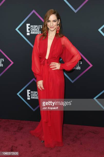 Melanie Scrofano attends the People's Choice Awards 2018 at Barker Hangar on November 11 2018 in Santa Monica California