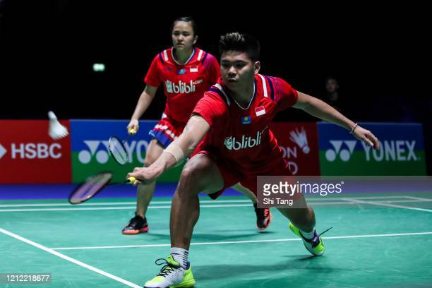 Melati Daeva Oktavianti and Praveen Jordan of Indonesia compete in the Mixed Doubles quarter finals match against Wang Yilyu and Huang Dongping of...