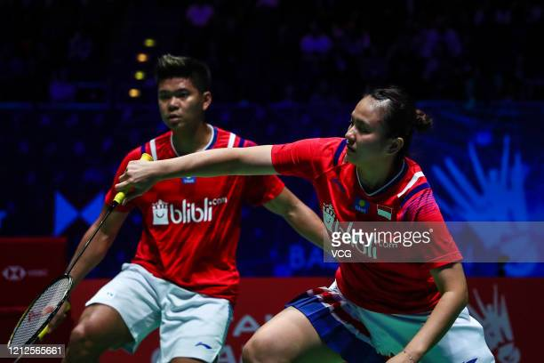 Melati Daeva Oktavianti and Praveen Jordan of Indonesia compete in the Mixed Doubles final match against Dechapol Puavaranukroh and Sapsiree...