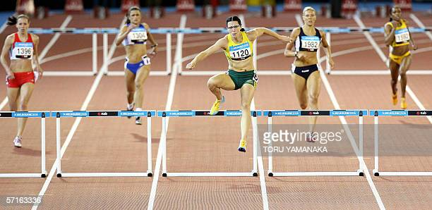 Autralian Jana Pittman power to win the women's 400m hurdles final at the Commonwealth Games in Melbourne 23 March 2006 AFP PHOTO / TORU YAMANAKA