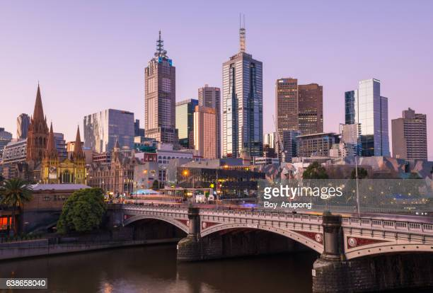 melbourne cbd during the sunset the most liveable city in the world, australia. - ヤラ川 ストックフォトと画像