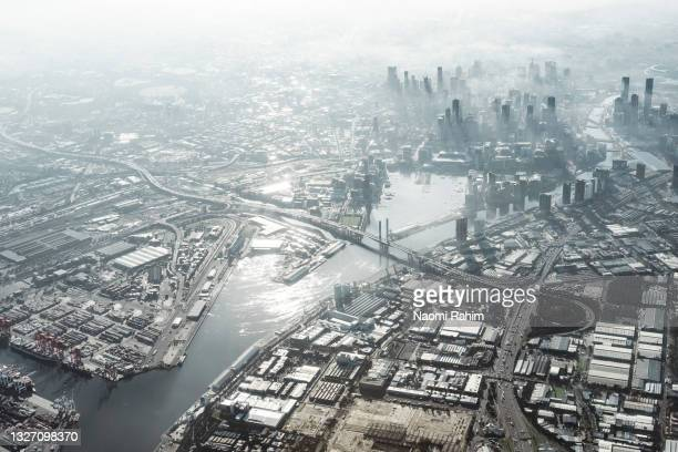 melbourne city and yarra river aerial view - docklands stadium melbourne stock pictures, royalty-free photos & images