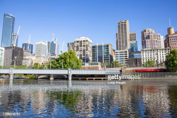 Melbourne city centre and the Yarra River.