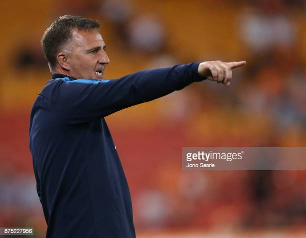 Melbourne City coach Warren Joyce talks to his team during the round seven ALeague match between Brisbane Roar and Melbourne City at Suncorp Stadium...