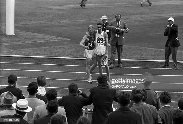 Melbourne Olympic Games 1956 A Melbourne en Australie les XVIèmes Jeux Olympiques d'été du 22 novembre au 8 décembre le russe Vladimir KUTS et le...