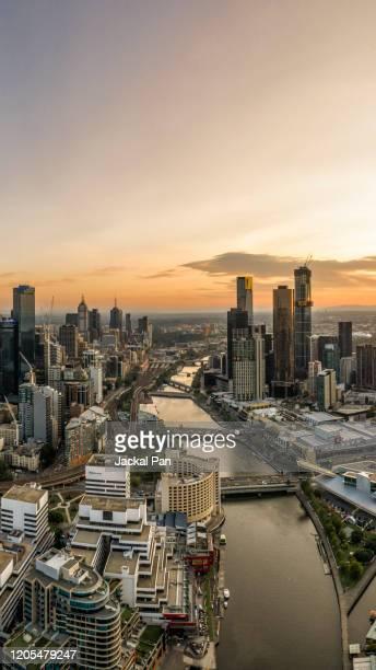 melbourne skyline - river yarra stock-fotos und bilder