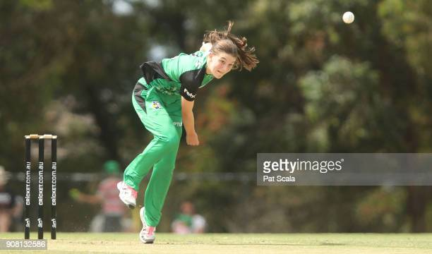 Melbourne Stars Annabel Sutherland bowls during the Women's Big Bash League match between the Melbourne Stars and the Sydney Sixers at Casey Fields...