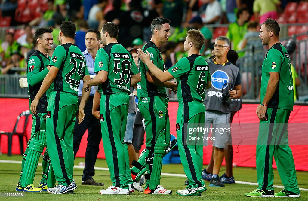Melbourne Stars players celebrate after winning the Big Bash League match between the Sydney Thunder and the Melbourne Stars at Spotless Stadium on January 17, 2015 in Sydney, Australia.