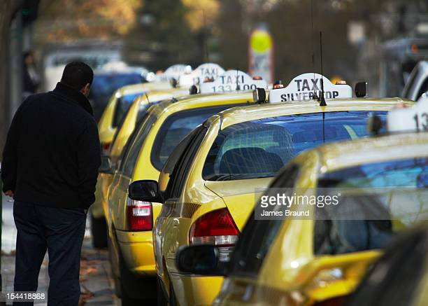 Melbourne Taxi line up for fares