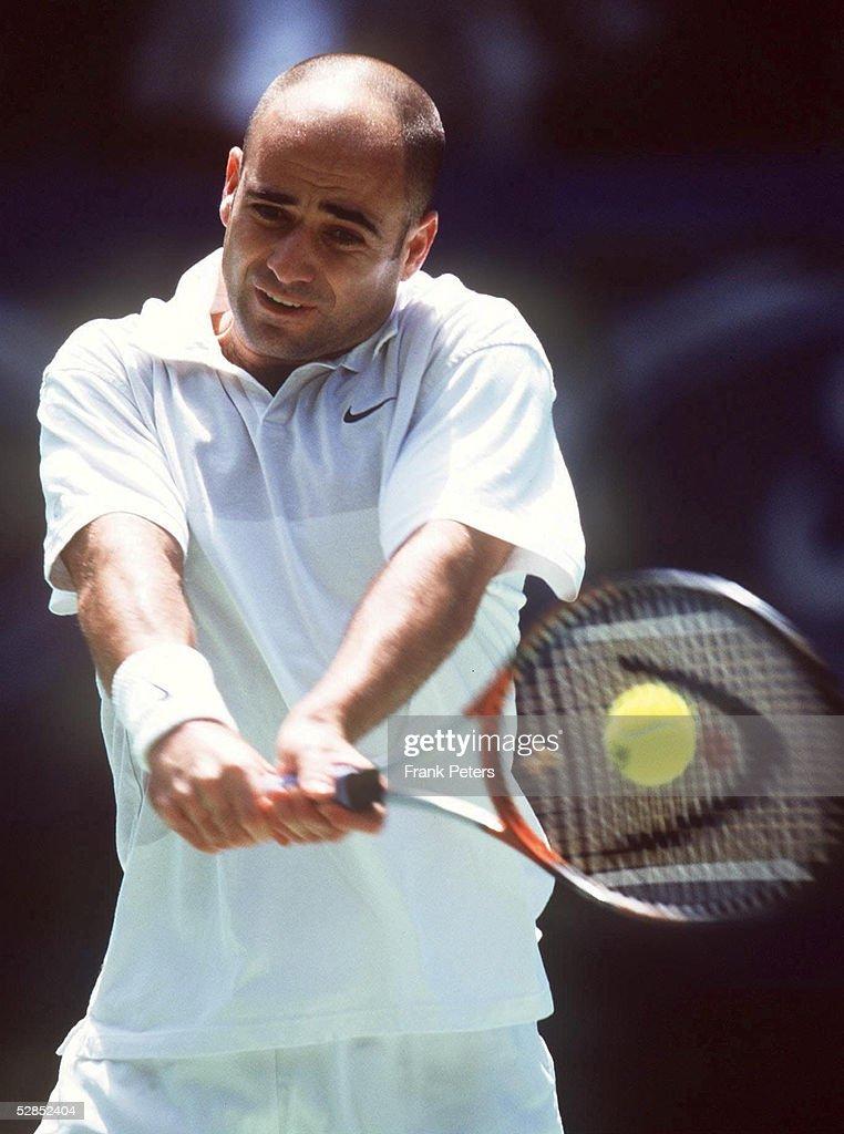 Andre AGASSI/AUSTRALIAN OPEN 2000 : ニュース写真