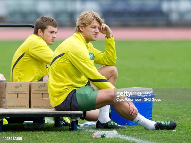 Celtic's Glenn Loovens sits out training with heavy strapping on his leg