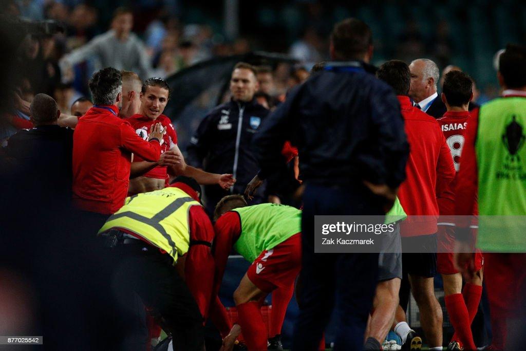 FFA Cup Final - Sydney v Adelaide : News Photo
