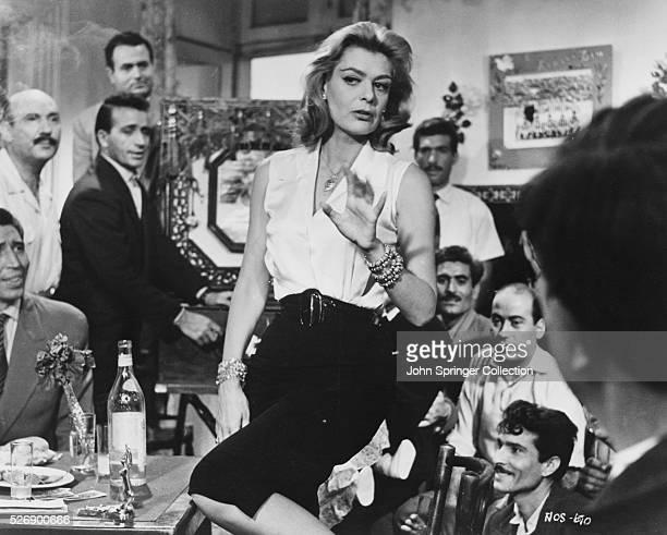 Melina Mercouri as Ilya in the 1960 film Pote tin Kyriaki .