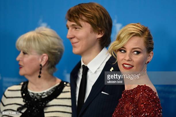 Melinda Ledbetter, die Ehefrau des Produzenten Brian Wilson, der Schauspieler Paul Dano und die Schauspielerin Elizabeth Banks während des Photocalls...