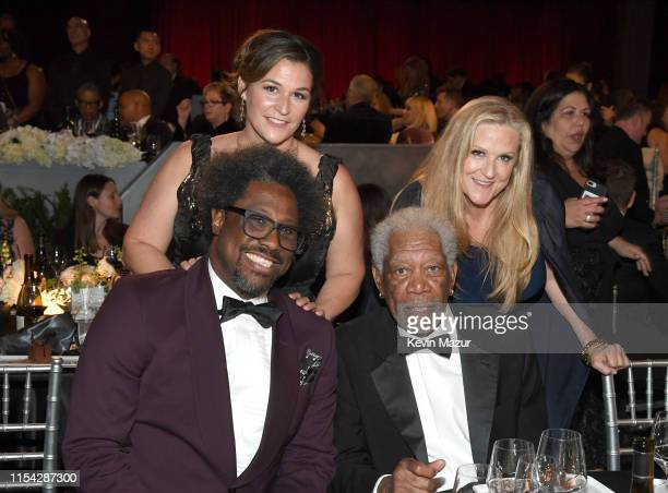 Melissa Bell W Kamau Bell Morgan Freeman and Lori McCreary attend the 47th AFI Life Achievement Award honoring Denzel Washington at Dolby Theatre on...