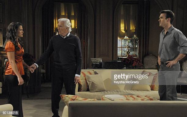 CHILDREN Melissa Claire Egan David Canary and Adam Mayfield in a scene that airs the week of November 9 2009 on Walt Disney Television via Getty...