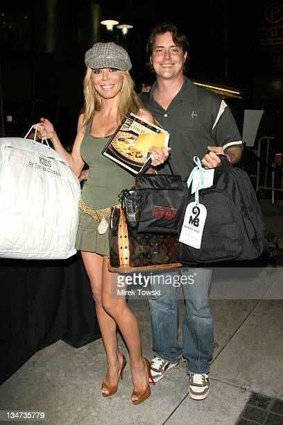 Melissa Cunningham and Jeremy London during 2006 Celebrity Rock 'n Bowl with gift bags created by Klein Creative Communications at 'Lucky Strike...