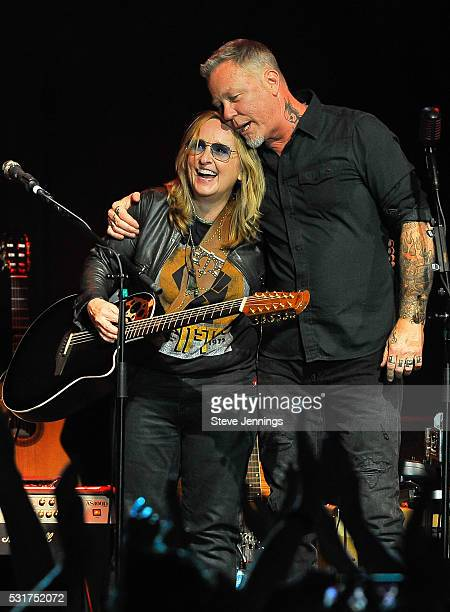 Melissa Etheridge and James Hetfield perform at the 3rd Annual Acoustic4ACure concert a Benefit for the Pediatric Cancer Program at UCSF Benioff...
