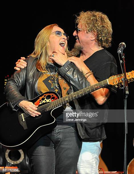 Melissa Etheridge and Sammy Hagar perform at the 3rd Annual Acoustic4ACure concert a Benefit for the Pediatric Cancer Program at UCSF Benioff...