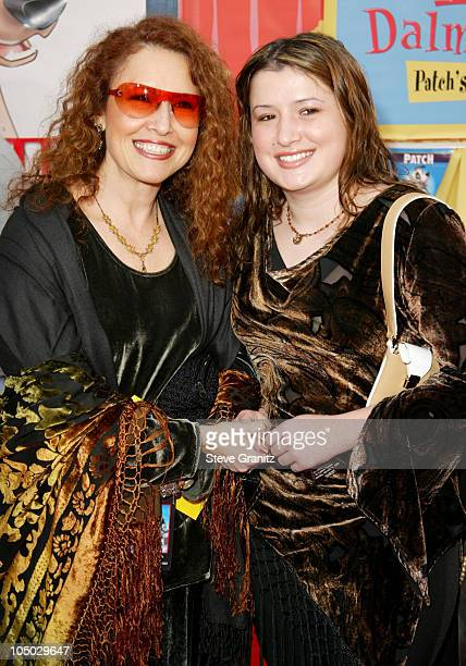 Melissa Manchester and daughter during 101 Dalmatians II Patch's London Adventure Premiere at El Capitan Theater in Hollywood California United States