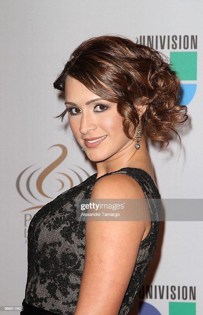 2010 Premio Lo Nuestro a La Musica Latina Awards - Arrivals
