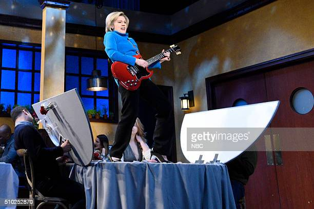 """Melissa McCarthy"""" Episode 1696 -- Pictured: Kate McKinnon as Hillary Clinton during the """"Hillary for President Cold Open"""" sketch on February 13, 2016..."""