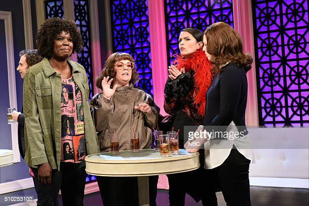 LIVE 'Melissa McCarthy' Episode 1696 Pictured Leslie Jones Melissa McCarthy Cecily Strong and Vanessa Bayer during the 'PickUp Artist' sketch on...