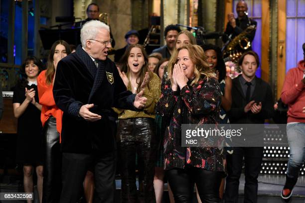 LIVE 'Melissa McCarthy' Episode 1724 Pictured Steve Martin Melissa McCarthy during 'Goodnights Credits' in Studio 8H on May 13 2017