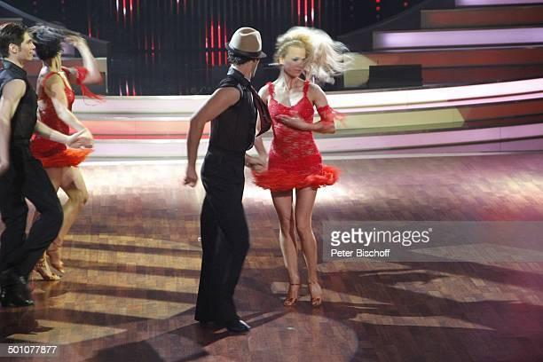 """Melissa Ortiz-Gomez und Christian Polanc und Sarah Latton und Massimo Sinató , Viertelfinale der 4.Staffel der RTL-Tanzshow """"Let's Dance"""", Köln,..."""