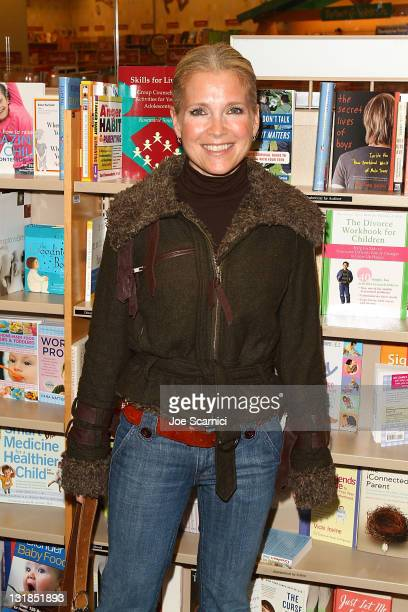 Melissa reeves photos et images de collection getty images for Where the rooms are a collection of our lives