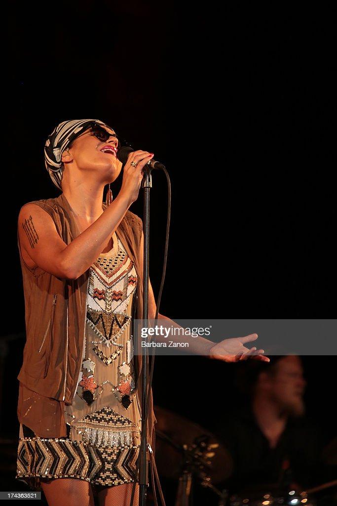 Melody Gardot Perform In Venice