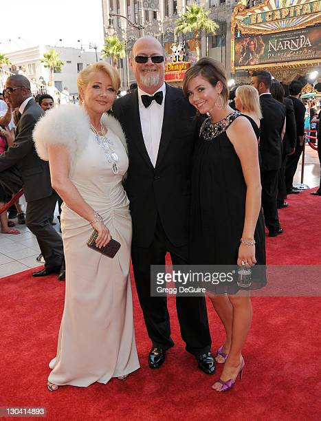 Melody Thomas Scott husband Edward Scott and daughter arrive to The 35th Annual Daytime Emmy Awards at the Kodak Theatre on June 20 2008 in Los...
