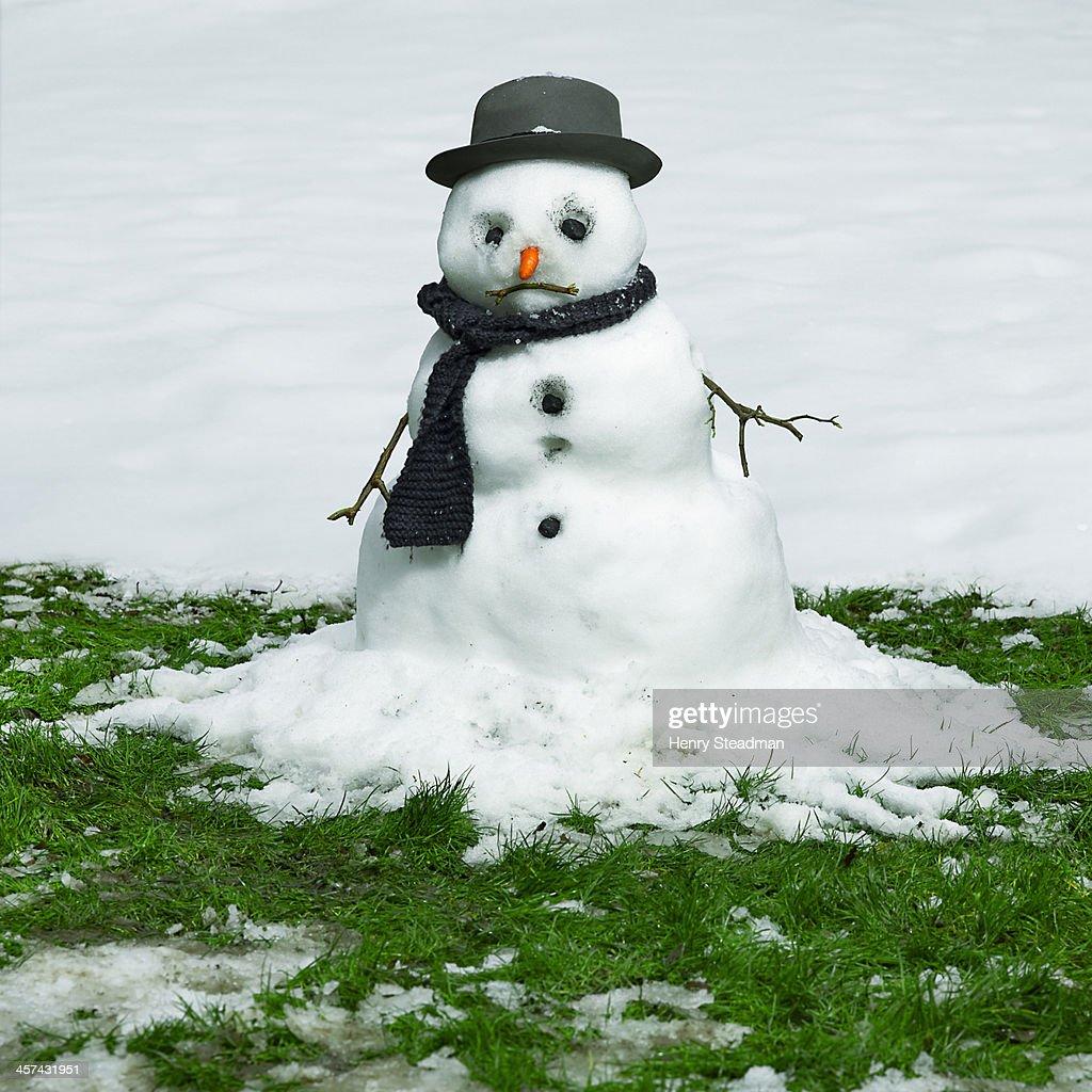 Frosty the Snowman | Sad Christmas Movies | POPSUGAR ...  |Sad Melting Snowman